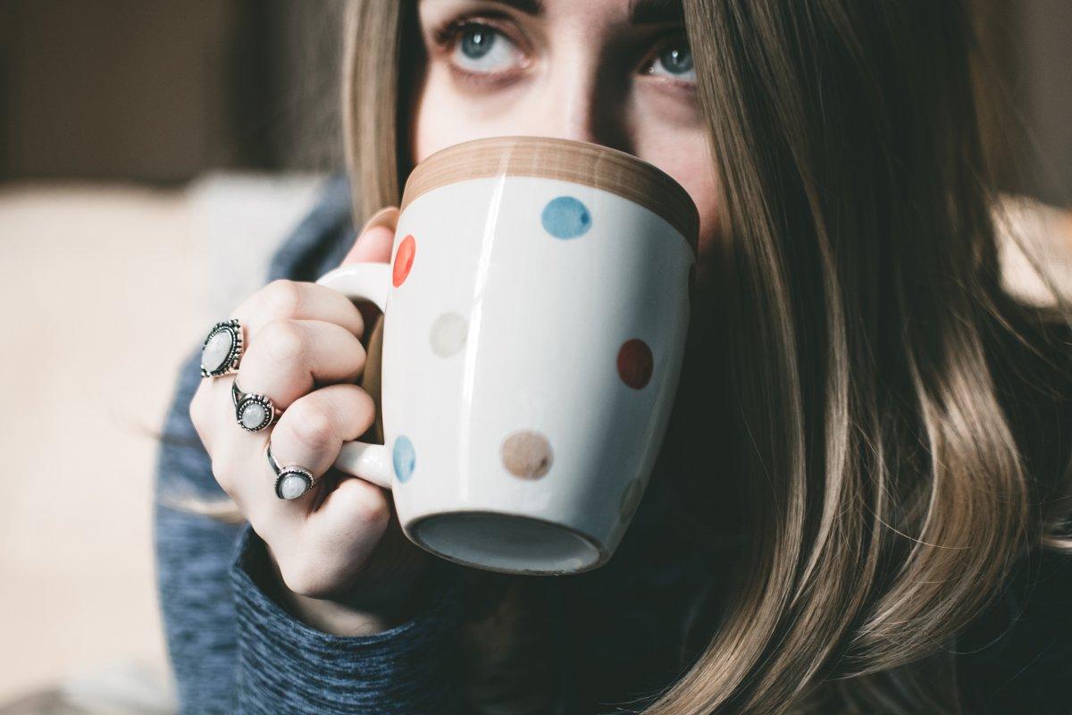 Otthoni gyógymódok megfázás ellen: sok folyadékot igyál!